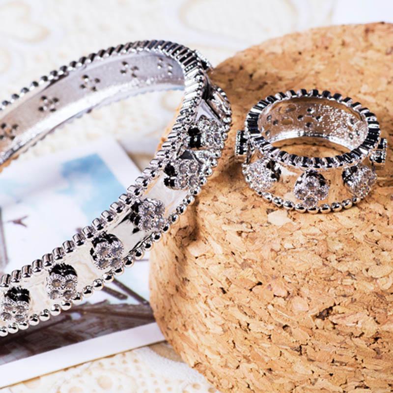Blucome Zircon bangle For Women Bridal jewelry gold and silver color Men s Bangle Pulseira Women