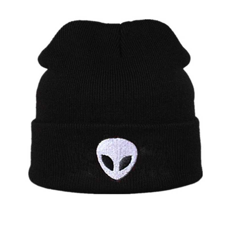 aa9d260a9ea Hot Sale Skull and Crossbones Pattern Women s Hat Headgear For Women Beanies  Knitting Cap Men s Braid