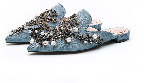 Carpaton 2018 Fashion Mules Sexy Pointed Toe Crystal Embellished Flat Shoes for Woman Summer Sequins Beaded Slides new fashion big pearls beaded woman flat shoes 2017 sexy open toe sandal crystal embellished slides