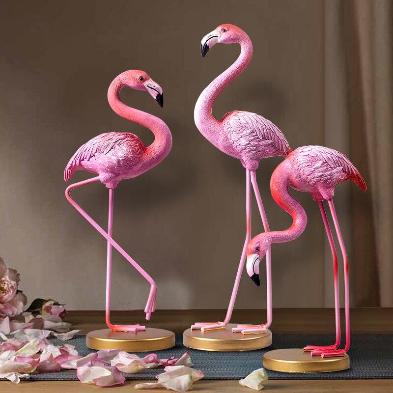 1pc Pink Flamingo Desktop Figurine European Resin Flamingo Sculpture Statue Lovely Home Decoration Craft Gift