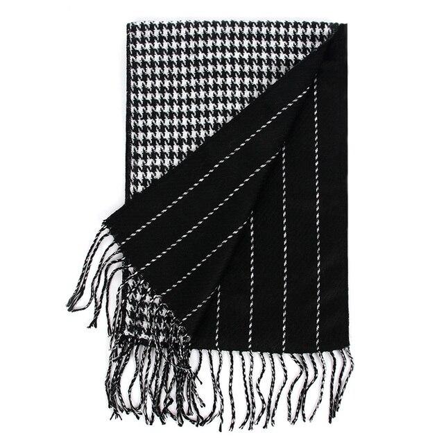 Poule Écharpe En Cachemire de luxe Marque 2018 Classique Pashmina Écharpe  Femmes Glands Echarpes Wraps Automne 0ed25add304
