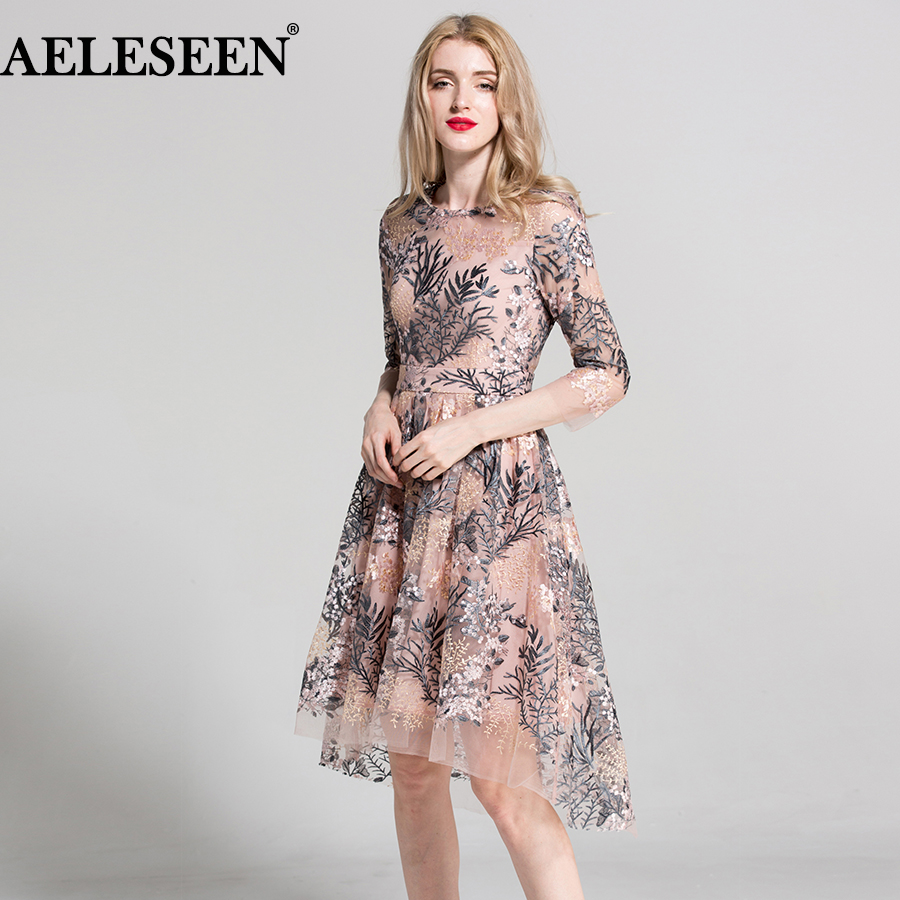 2018 European Style New Dresses 3 4 Sleeves Elegant Fashion Pink Black Vintage Flowers Embroidery Dovetail