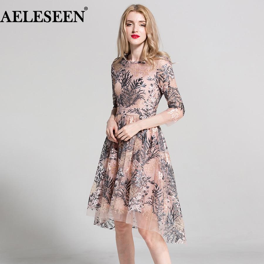 2018 europäischen Stil Neue Kleider 3/4 Ärmeln Elegante Mode Rosa/Schwarz Vintage Blumen Stickerei Schwalbenschwanz Unregelmäßige Kleider-in Kleider aus Damenbekleidung bei  Gruppe 1