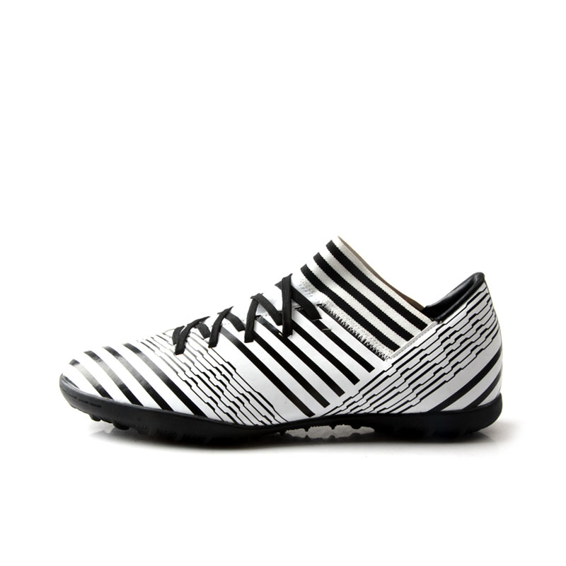 цена TIEBAO A77050 New Black & White Color Turf Soccer Shoes Adult Soccer Boots TF Rubber Outsole Football Shoes Unisex Football Boot