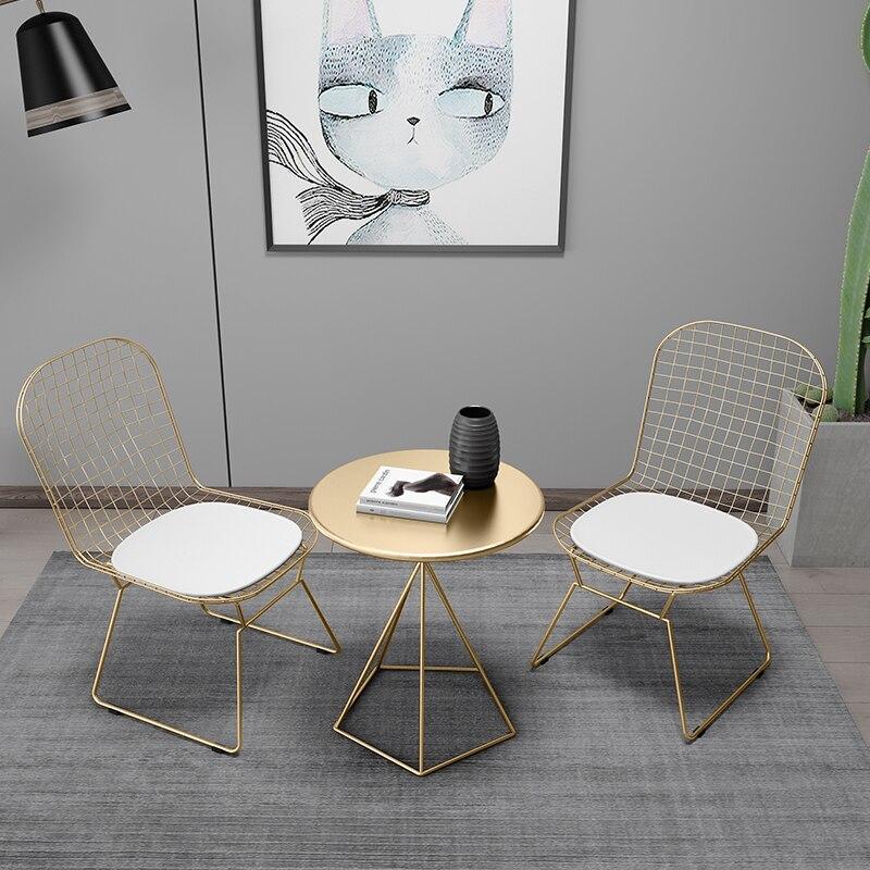 1 pc table ronde + 2 pc chaise en fer forgé Table basse & chaise or/blanc/noir balcon loisirs café tissage chaise ensemble de Table à thé