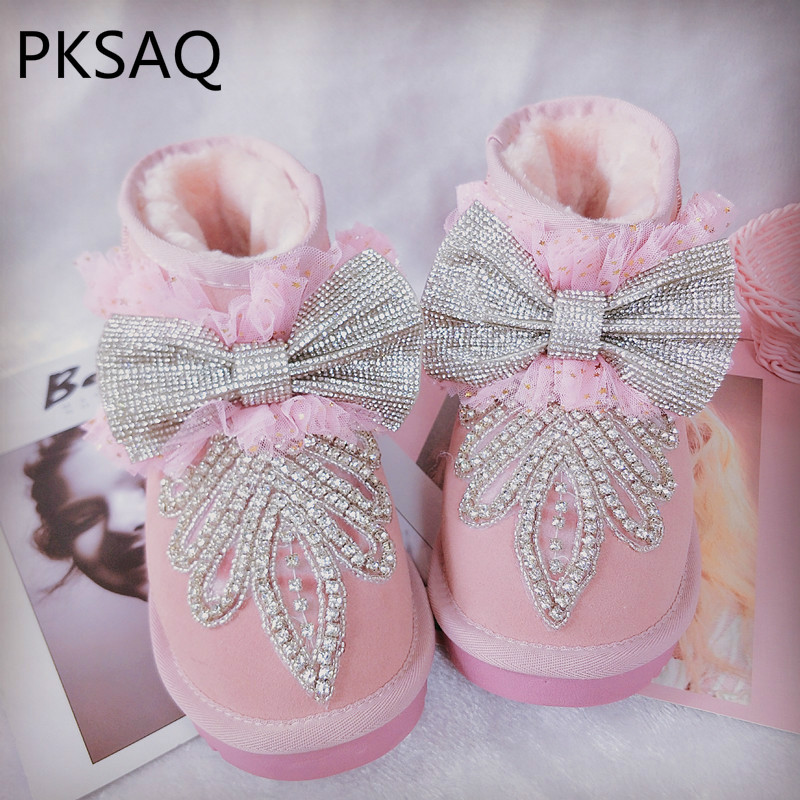 Winter New Cute Pink Warm Women Snow Boots Ladies Flat Students Slip-On Round Toe Thick Bottom Crystal Butterfly Festival Shoes 2015 new arrival fashion women winter snow boots warm ladies shoes bowtie slip on soft cute shoes purple color sweet boots