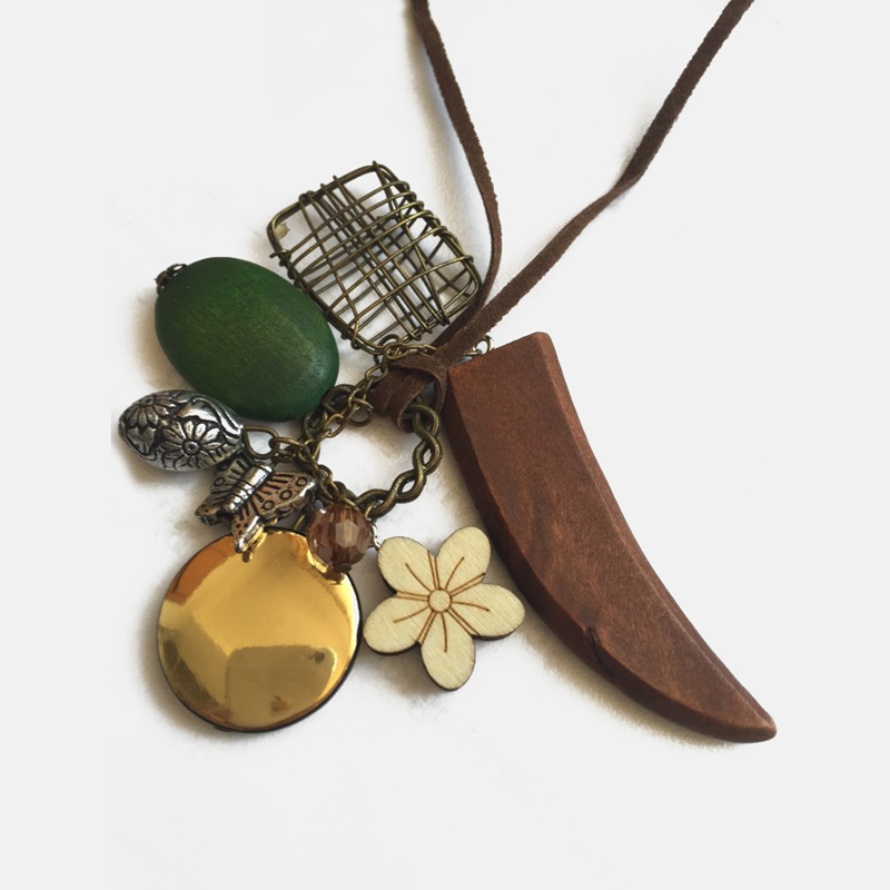 2018 Fashion Style Wood Necklaces Horn Flower Pendant Necklace Charms Hot Sale Butterfly Beads Women Jewelry Personality N171
