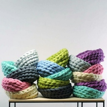 Bulky Arm Knitting Wool Roving Knitted Blanket Chunky Wool Yarn Super Bulky Arm Knitting Wool Roving Knitted Blanket New