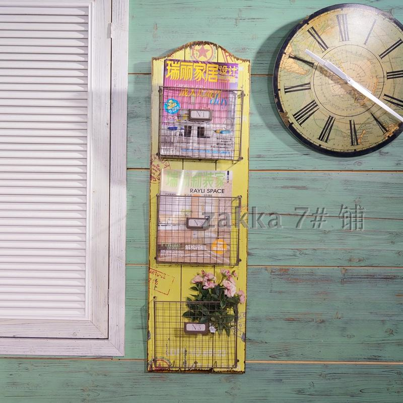 loft American style retro to do the old wrought iron wall bookcase Bar Cafe Magazine rack / shelving