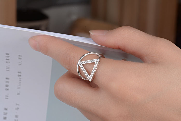 2017 new arrival high quality fashion shiny zircon Triangle all match 925 sterling silver ladies finger opening rings jewelry in Engagement Rings from Jewelry Accessories