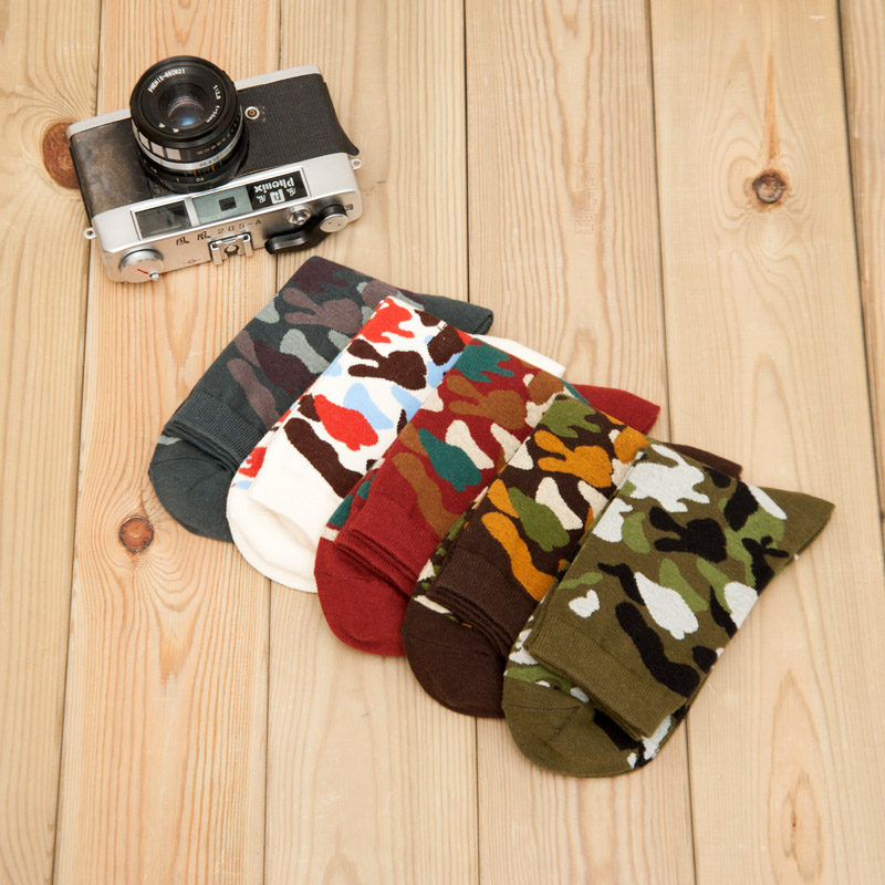 Mantieqingway Lot 5 pieces Camouflage Socks for Men Red&White&Green&Gray Color Male Sock Army Style Casual Socks Christmas Gifts