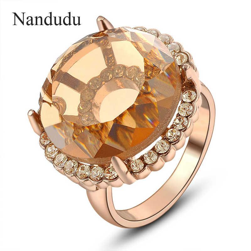 Nandudu 2เซนติเมตรบิ๊กออสเตรียคริสตัลแหวนออกแบบพิเศษหญิงสาวผู้หญิงRose G Oldสีแหวนแฟชั่นเครื่องประดับของขวัญR695