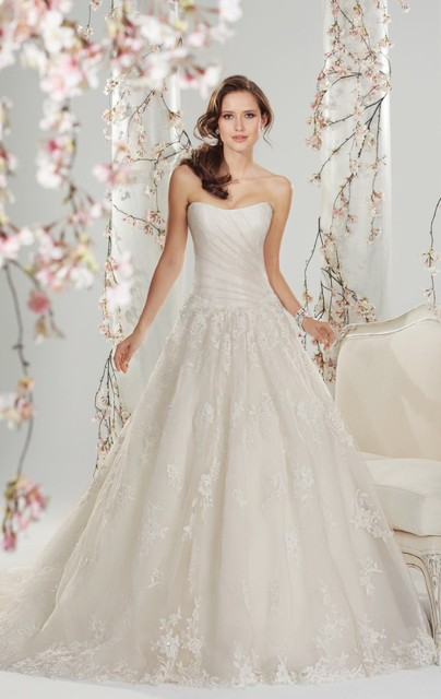 Vintage Lace A-Line Weddding dresses Strapless With Appliques Sleeveless 2015 Romantic vestido de noiva Bride Gown For Wedding