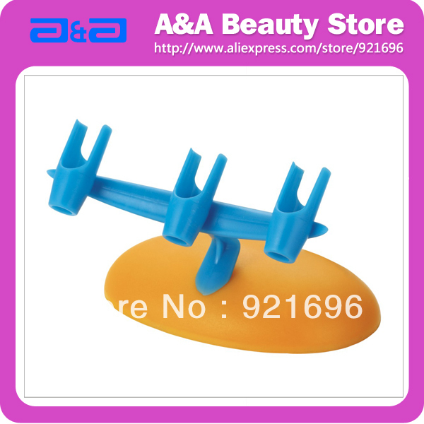 Airbrush Holder Holds up to 3pcs airbrushes. Plastic material with the smart appearance. FREE SHIPPING
