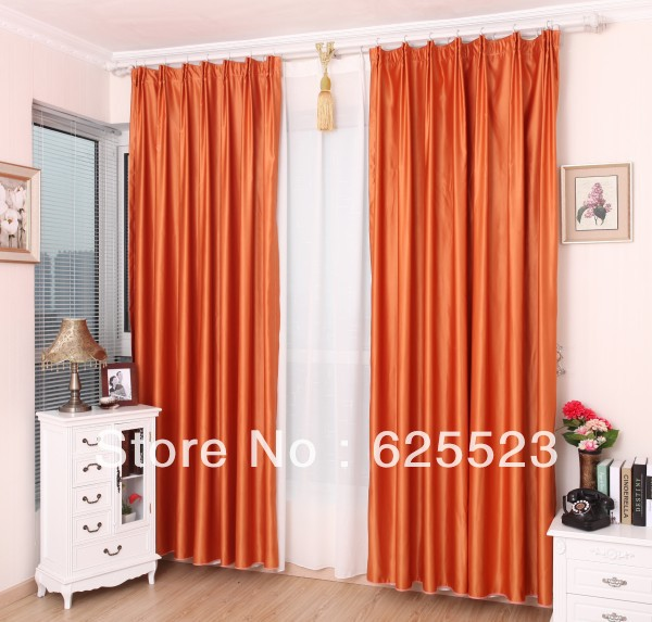 Sala de estar color naranja id ias for Cortinas naranjas