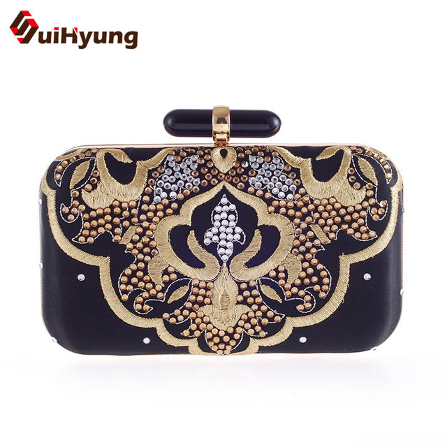 2016 New Vintage Embroidery Women Satin Handbag Small Clutch Ladies Party Evening Bag Wedding Day Clutch Purse Female Clutch Bag