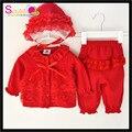 El envío Libre Al Por Menor Caramelos Diseño Volantes de Encaje Rojo Recién Nacido Bebés Año Nuevo Sistema de la Ropa Del Bebé Trajes de Invierno Con El Sombrero