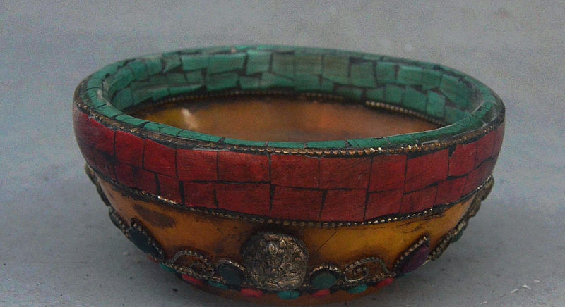 """4"""" Old Tibet Palace Beeswax Inlay Turquoise Carved Buddha Statue Tableware Bowl"""