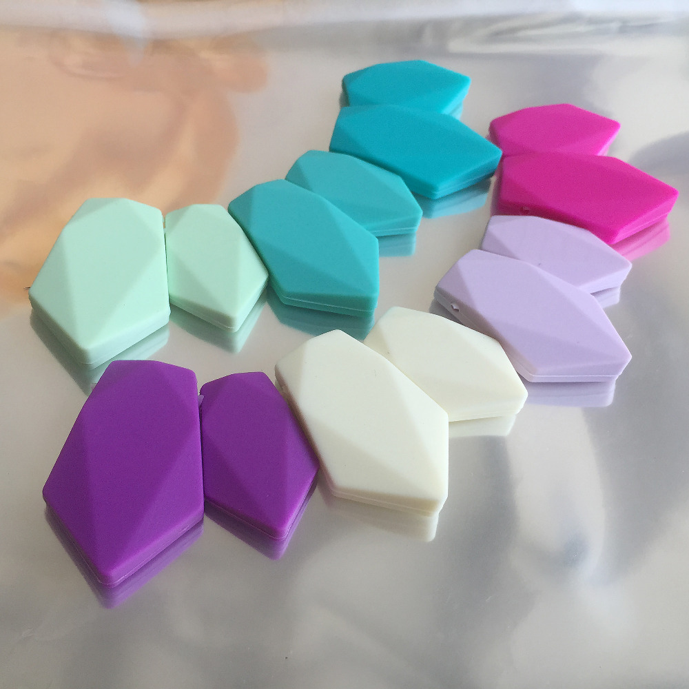 NUEVO DIY 5 pares Flecha joyería de silicona Collar de dentición cuentas Colores completos Escudo de silicona Mordedores de silicona Envío gratis