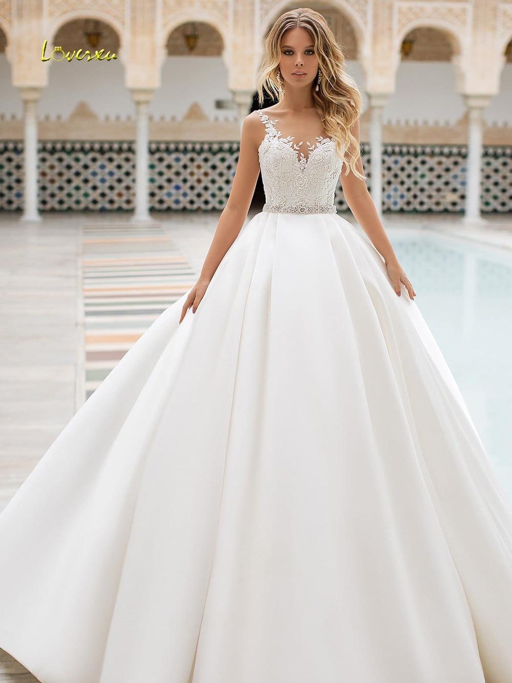 Loverxu Sexy Backless Appliques Vintage Wedding Dresses 2019 Elegant Sashes Beaded Matte Satin Court Train A