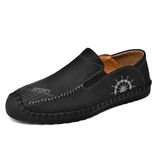 Fotwear calzado hombre Leather shoes men moccasins Slip-on style Lightly-textured tread Almond toe casual Fashion design