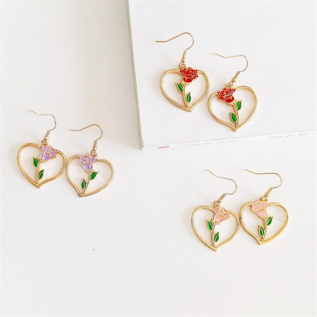 Retro Style Heart Shaped Drop Earrings with Rose Decoration