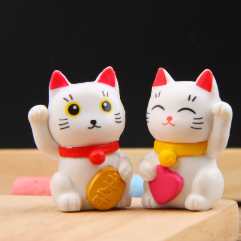 2pcs/lot Cartoon Lucky Cats Micro Landscape Ornaments Action Toys Kid's Gift 438