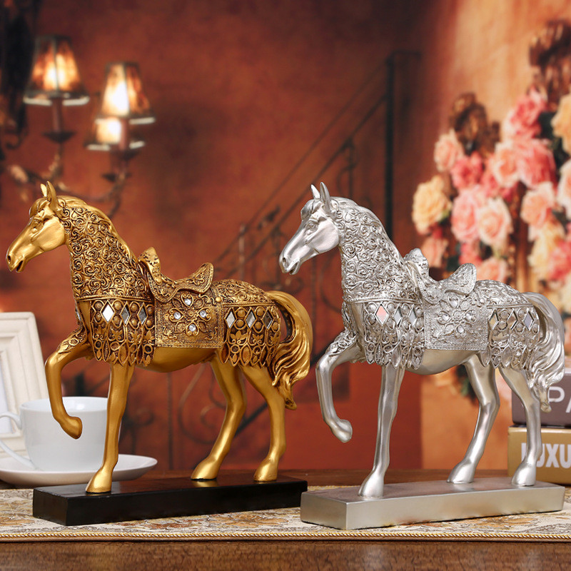 Eco-Resin Statues Figurine Crafts European-made Old Manual Gold Horses Home Decoration Ornaments Creative Birthday Gifts