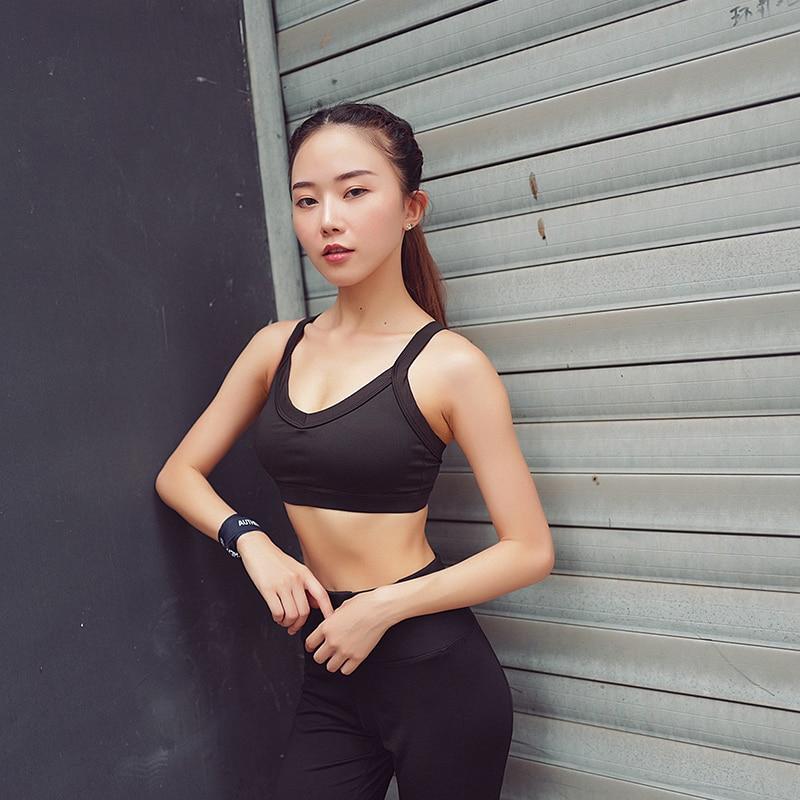 CHU YOGA Sexy Backless Sports Bra Top Fitness Bras Women Strappy Brassiere Sports Gym Padded Yoga Bras Underwear B1226 in Sports Bras from Sports Entertainment