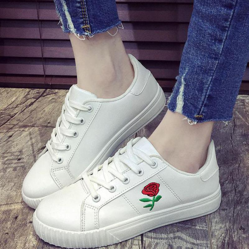 2018 Embroidered Women Platform White Sneakers Shoes Spring Autum Fashion Casual Flat Shoes Comfortable Ladies Embroidery Flats