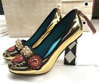 Кожа золото декор из заклепок женские туфли лодочки Шик Женская обувь на высоких каблуках сзади кисточкой Декор sapato feminino Блеск Кристалл обу