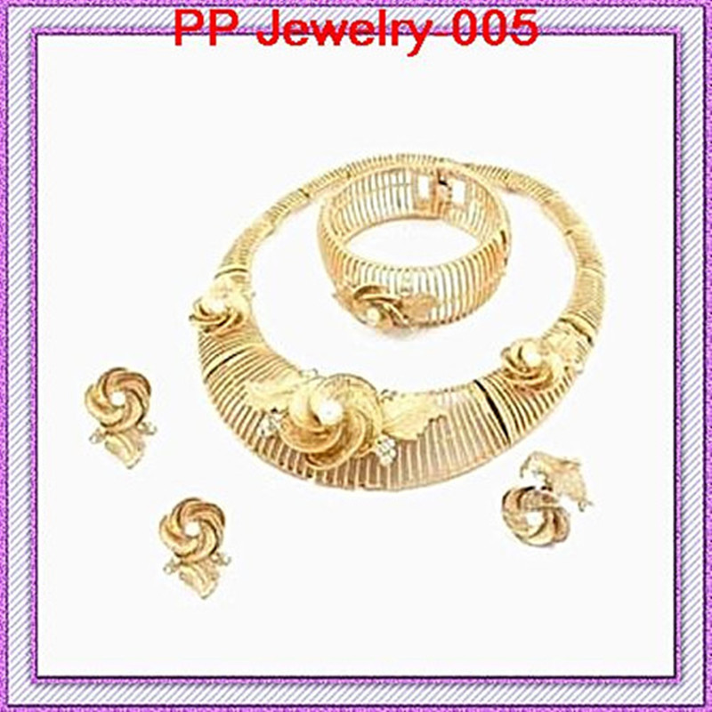 цена на Gold Color Good Quality Guarantee!!Luxury Beautiful Crystal And Simulated Pearl Flower Wedding Bridal Jewelry Set