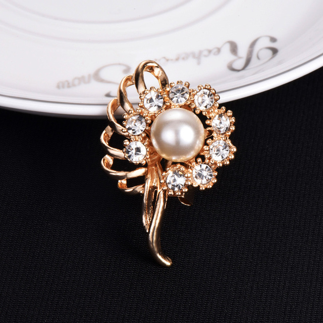 660daba12ba Fashion Bridal Bouquet Flower Shape Brooches Pins Rhinestone Simulated-pearl  Rose Gold Color Crystal Brooch Pin Wedding Jewelry