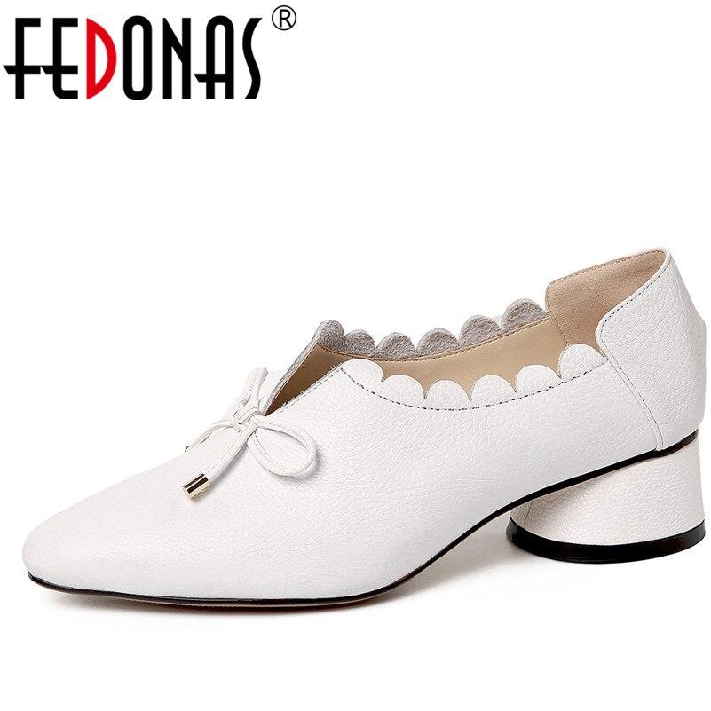 Fedonas 패션 여성 정품 가죽 봄 펌프 두꺼운 높은 굽된 라운드 발가락 편안한 결혼식 신발 여자 bowtie 파티 펌프-에서여성용 펌프부터 신발 의  그룹 1