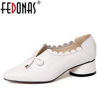Fedonas moda mujeres Cuero auténtico primavera Bombas grueso tacón alto del dedo del pie redondo cómodo boda Zapatos mujer BowTie bomba partido