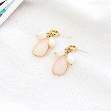 Popular girl earrings temperament lady freshwater pearl earrings Retro geometric resin earrings exquisite jewelry wholesale цены онлайн