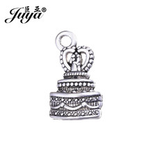 JUYA 15pcs/lot 22.5x13mm Alloy Charms Silver Plated Lovely Wedding Cake Shape Pendant for Jewelry Making Supplies DIY AO0638