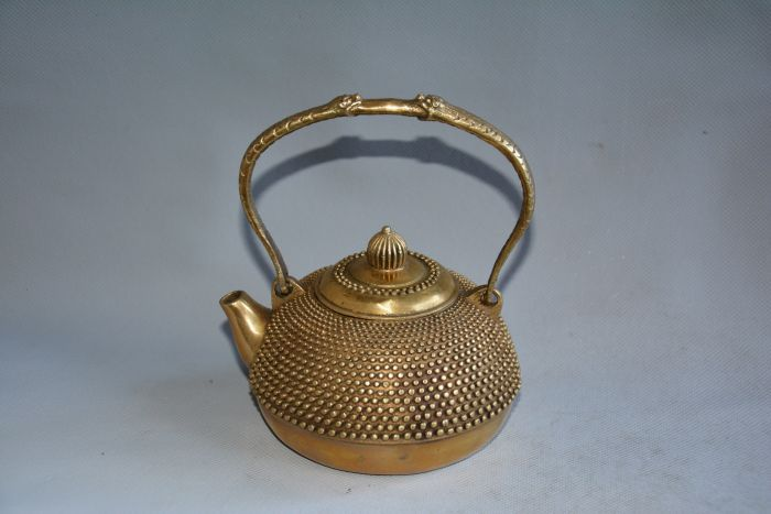 Very rare 18C copper Teapot,Pearl shape,with mark,Decoration,Free shippingVery rare 18C copper Teapot,Pearl shape,with mark,Decoration,Free shipping