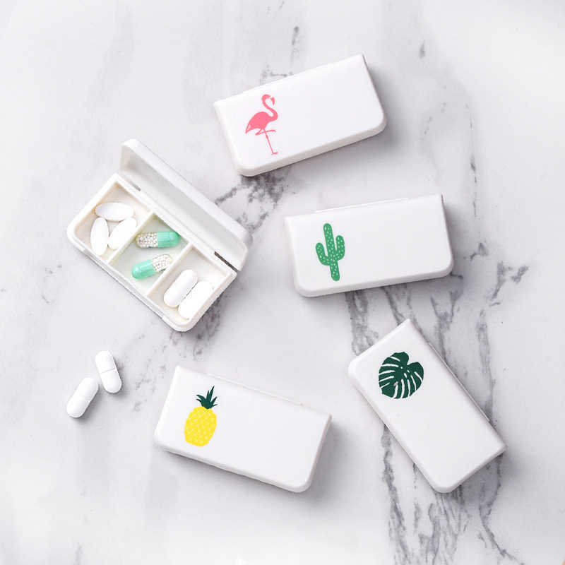 GOONBQ 1 pc 3 Grids Mini Pill Box Flamingo Medicine Box Case Travel Pill Case Splitter Pill Organizer Dropshipping