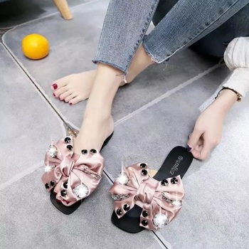 2019 Fashion Women Slippers Flip Flops Summer Women Crystal Bling Beach Slides Sandals Casual Shoes Rhinestone Slip On Slipper jianbudan sandals for women s flat flip flops comfortable beach shoes fashion rhinestone crystal sandals summer flat women shoes