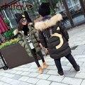 De moda de Corea Carta de Invierno de Algodón acolchado Niños Niñas Abrigo de Cuello de Piel Con Capucha Parkas Calientes Para 3-7 Años de Edad los niños Outwear la Ropa