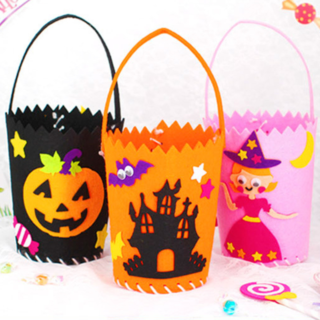 091a6be97e New Halloween Non-Woven Fabric Candy Handbags Kids Festival Gift Packing Bags  Halloween Party Decorations Random Styles