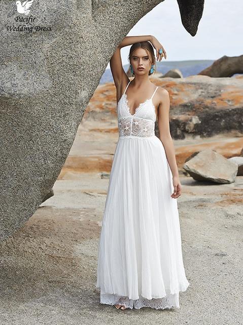 3359a5f02 Blanco playa de encaje sin espalda vestidos de novia con correas espaguetis  gasa del estilo del