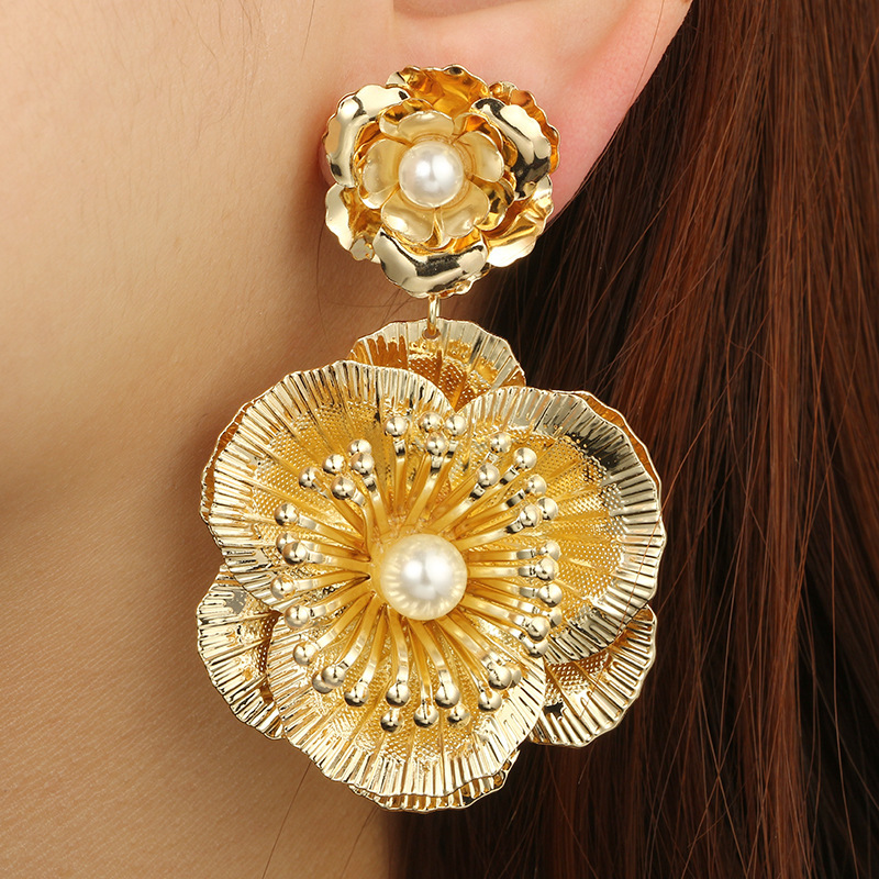 Fashion Gold Color Beautiful Big <font><b>Flower</b></font> Stud <font><b>Earrings</b></font> <font><b>For</b></font> <font><b>Women</b></font> <font><b>2019</b></font> Faux Pearl Fancy Statement Jewelry Aretes De Mujer image