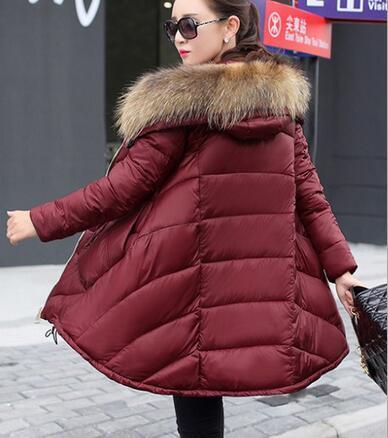 2016 Marca de moda das Mulheres Jaqueta de Inverno Para Baixo Grande Gola de Pele De Guaxinim Longa Seção de Algodão-Acolchoado Casaco Parka Feminino espessamento