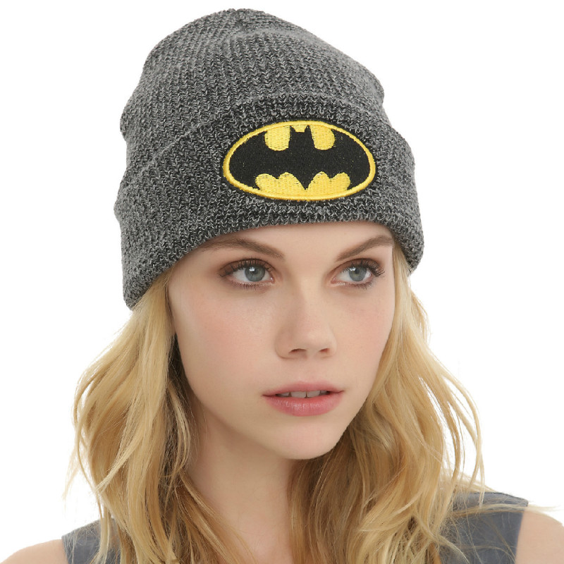 Autumn and Winter Men and Women Batman Embroidered Cold   Skullies   &   Beanies   Cap Warm Knitted Hat Hedging Wool Cap RX023