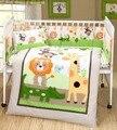 Animais bordados menino berço berços conjuntos de cama 7 pcs, Consolador + bumper + ficha + travesseiro