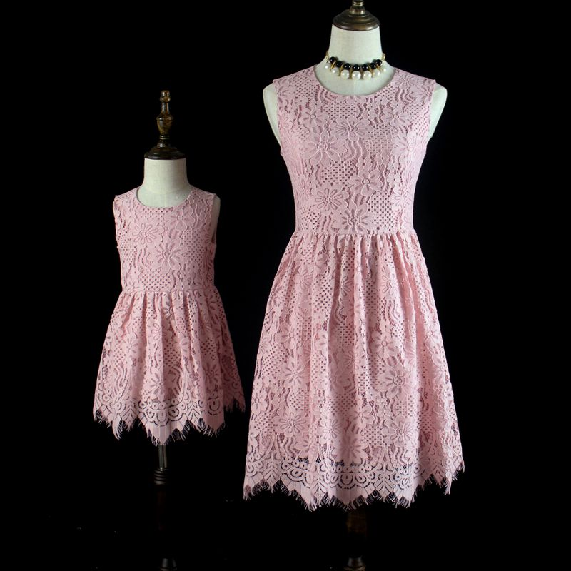 Brand children pink lace women kids girl dress family look cloth mom girls formal dress mother and daughter Summer party dresses brand summer sunflower lace plus large size mom girl princess one piece mother and daughter skirts kids girls sleeveless dresses