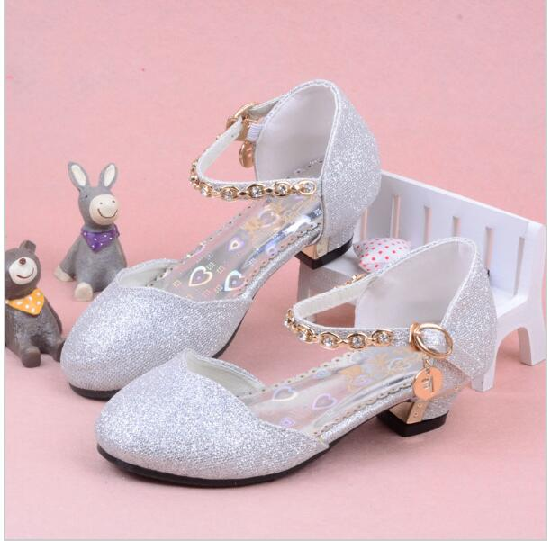 4a6c48c7b Girls Wedding Sandals 2018 New Summer Children Princess Sandals Kids Shoes  Chains High Heels Dress Shoes Party Shoes For Girls-in Sandals from Mother    Kids ...