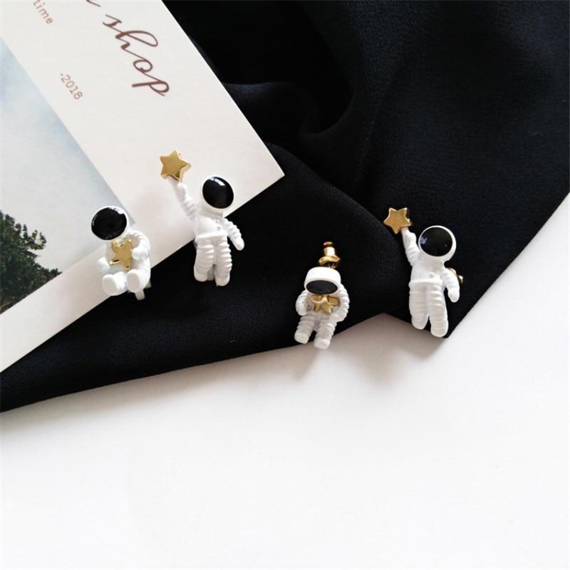 Асимметричные серьги-гвоздики в виде пятиконечной звезды, модные женские серьги, маленькие серьги в виде космических астронавтов, модные ж...